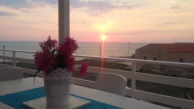 Veranda with sea views and sunsets