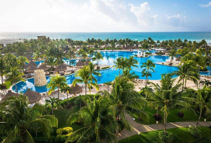 1 Bedroom at Vidanta Riviera Maya Resort (The Bliss or Mayan Palace category), vacation rental in Playa Paraiso