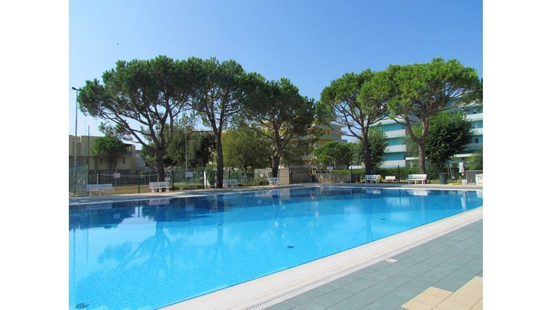 New 12 Swimming Pools Resort Two Bedrooms Apartment - Tennis - Volleyball, vacation rental in Bibione