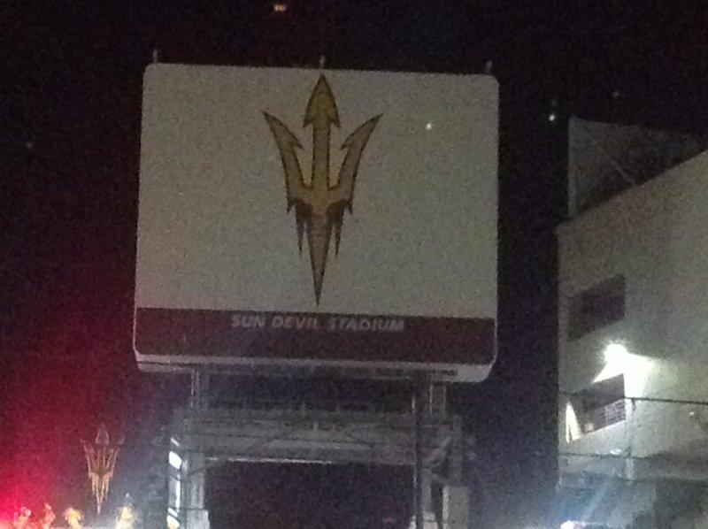 ASU estadio que es inferior a 5 millas de distancia