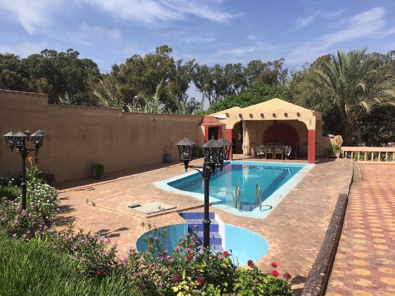Luxuriours 3 bedrooms Villa with Private Swimming Pool  Ref: MBA32030, location de vacances à Agadir