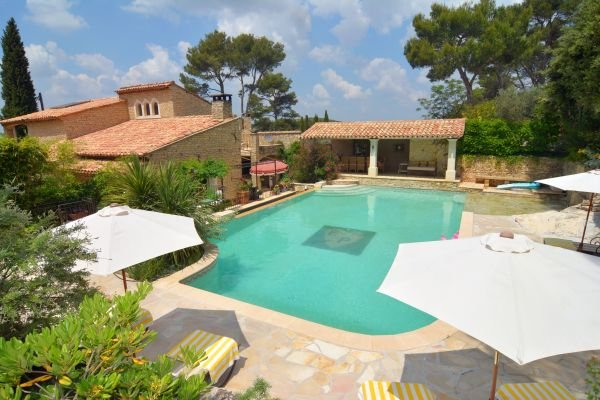 BEAUTIFUL PROPERTY IN ALPILLES IN PROVENCE, NEAR ST REMY DE PROVENCE