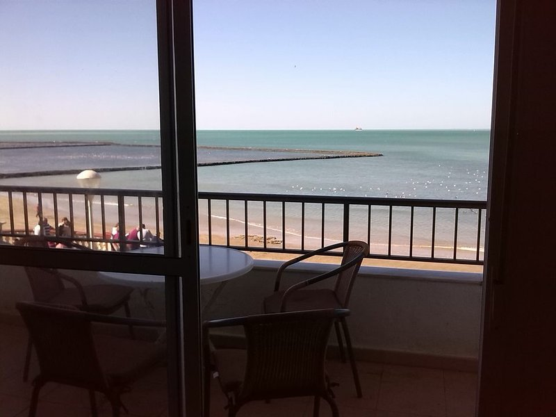 OCEAN FRONT WALK BEACH, NEW, CENTER, ELEVATOR, WIFI, large terrace, EXCEPTIONAL VIEW