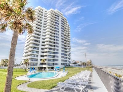 HORIZONS  direct ocean front view on worlds most famous beach Newly listed condo, holiday rental in Daytona Beach