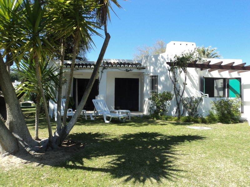 Balaia Golf Village Holiday Villa Rental, holiday rental in Olhos de Agua
