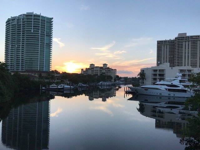 Gorgeous one-of-kind water view! Enjoy the sunrise and boat action from the marina!