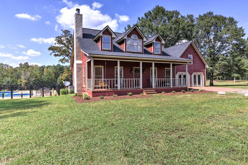 Pine Mountain Valley House w/ Pool on 25 Acres! UPDATED ...