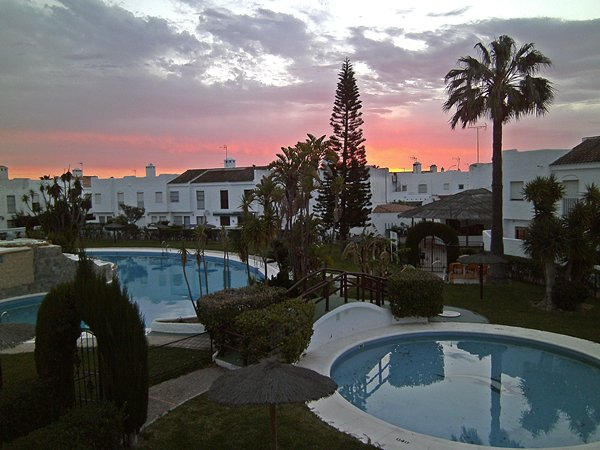 Alojamiento con piscina para grandes grupos, holiday rental in Chiclana de la Frontera