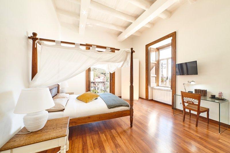 Appartamento Anemone centro storico Eboli, vakantiewoning in Contursi Terme