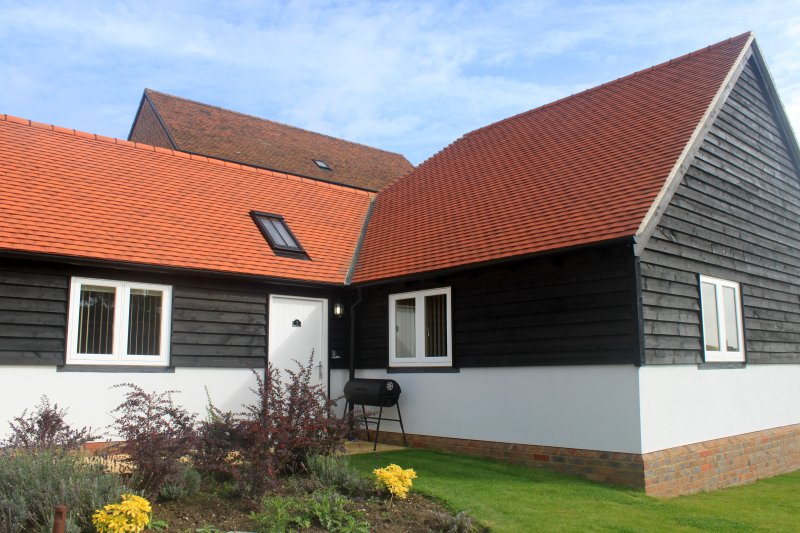 3 ABBEY VIEW HOLIDAY COTTAGE, holiday rental in Battle