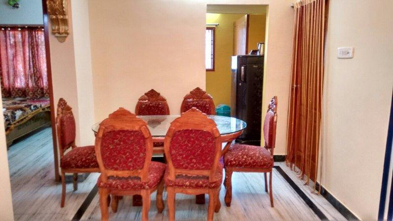 Sairu guest house, holiday rental in Kelambakkam