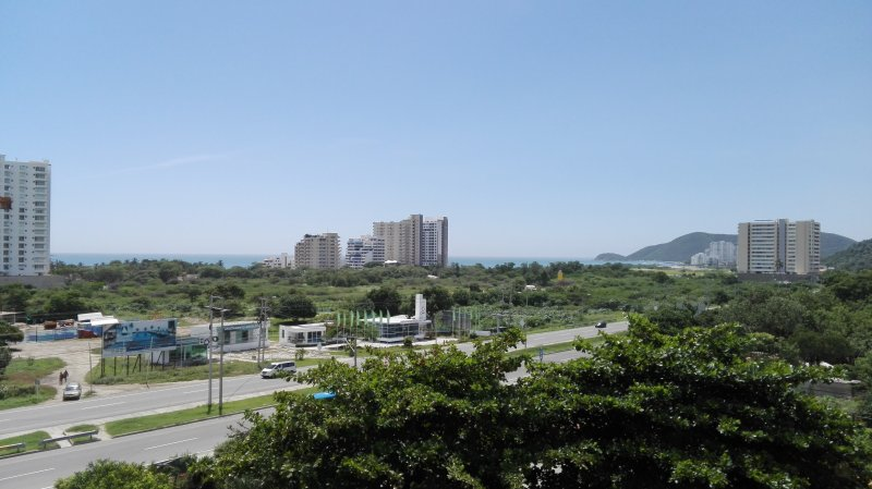Comfortable new apartment close to Santa Marta airport, holiday rental in La Tigrera