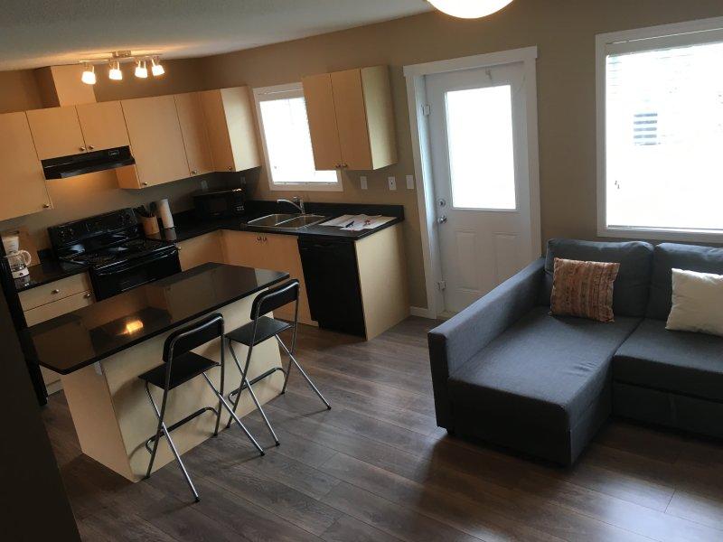 Your 3 Bedroom Home in Fort  Saskatchewan, holiday rental in Fort Saskatchewan