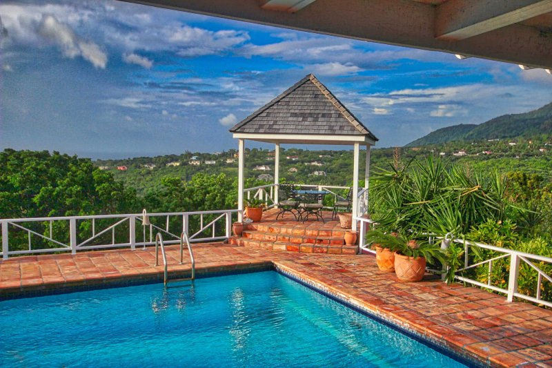Villa Castelet: Your dream vacation awaits you!, holiday rental in Montserrat