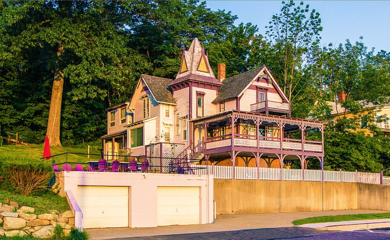 Castle Rest - Victorian home in Weirs Beach, NH, aluguéis de temporada em Laconia