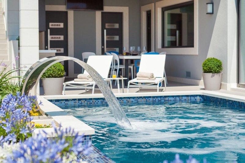Villa di lusso con piscina a sfioro, Ciovo
