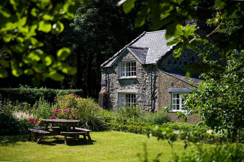 Bienvenue au Garden Cottage - notre refuge Hansel et Gretel