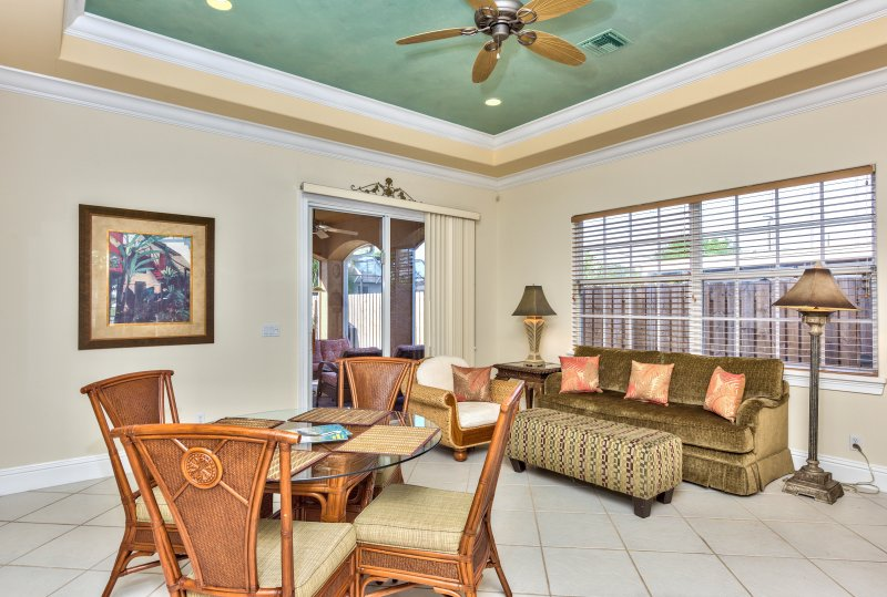 Living Room with Flat Screen HDTV! Pull Out Couch That Sleeps 2 in the Living Room. Access to Pool Area!