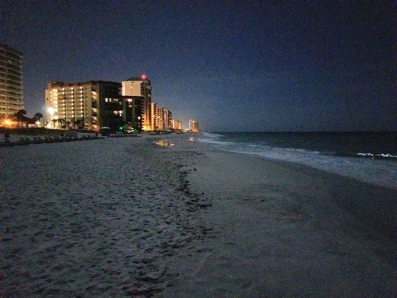 Intenta caminar por la playa por la noche. ¡Es el mejor!