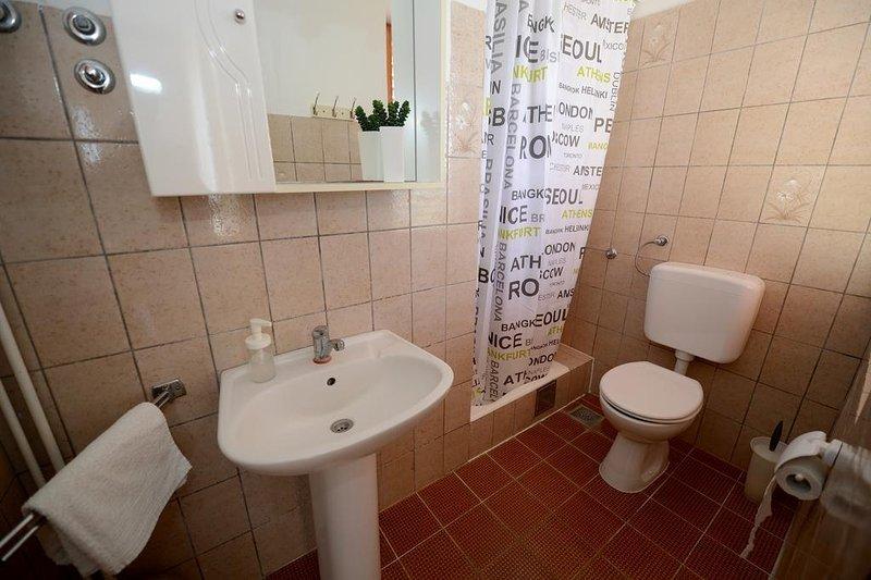 A4 (2 + 2): Bad mit WC