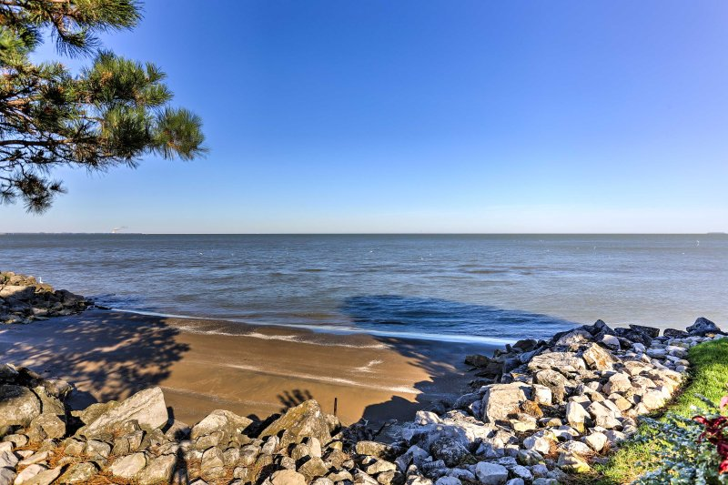 Enjoy beautiful lakefront views from the comfort of your condo.