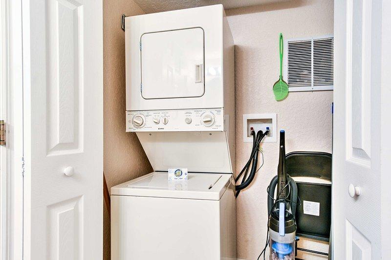 Manter limpo durante a sua estadia usando as máquinas de lavar roupa em unidades.