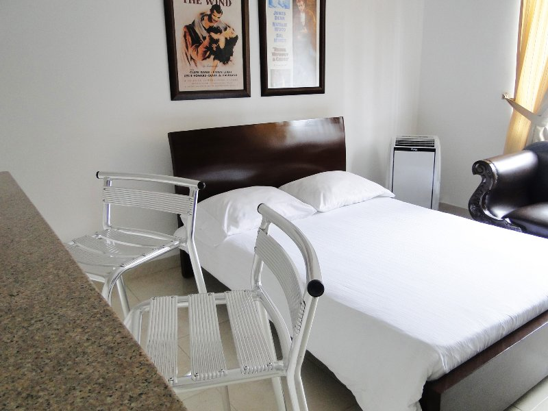 Comfortably Furnished Studio Apartment 8, holiday rental in Palmira