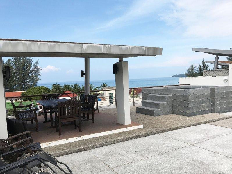 Kamala 40  Stunning penthouse 3 bedroom with jacuzzi and sea view, alquiler de vacaciones en Kamala