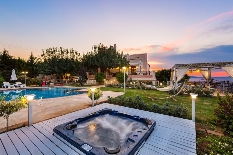 Villa Belle - High quality family villa with panoramic sea view!, holiday rental in Rethymnon