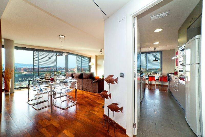 Luxury atic near the beach 1, vacation rental in Barcelona