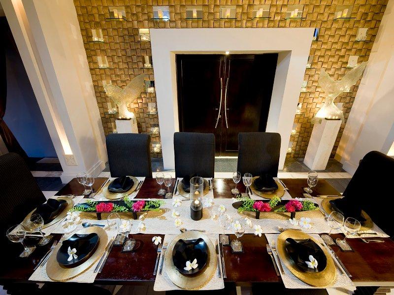 Villa Ylang Ylang - Dining table