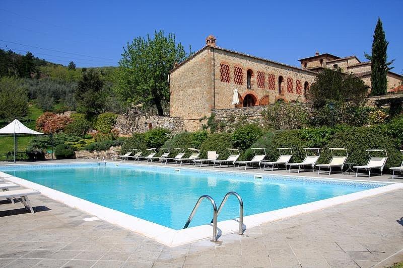 Panzano Villa Sleeps 2 with Pool and Air Con - 5228409, holiday rental in Vepri