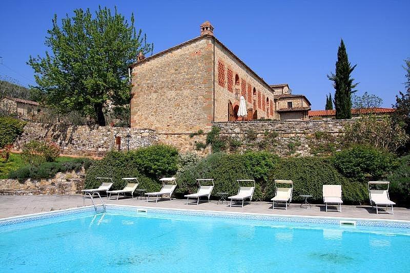 Panzano Villa Sleeps 2 with Pool and Air Con - 5228406, holiday rental in Vepri