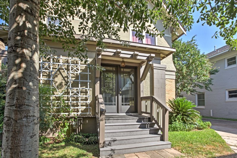 Experience the best of Houston from this historic 1BR, 1BA vacation rental apt!