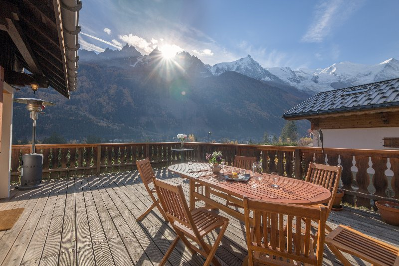 Spacious terrace with dining set and terrace heater