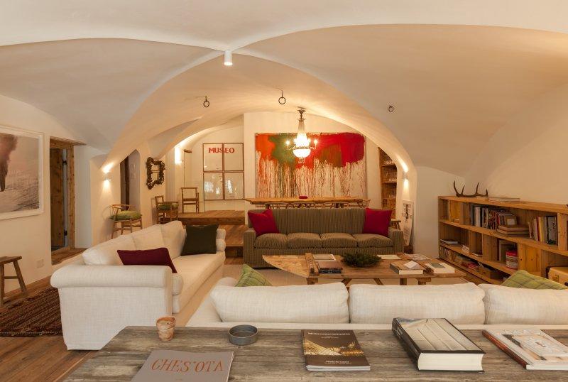 Ches'Ota - Luxury Apartment - La Punt, casa vacanza a La Punt-Chamues-ch