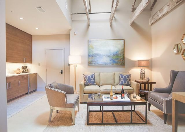 Stay With Lucky Savannah Stylish Downtown Lofts Minutes