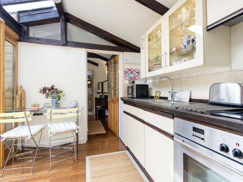 Fitted kitchen and dining areas