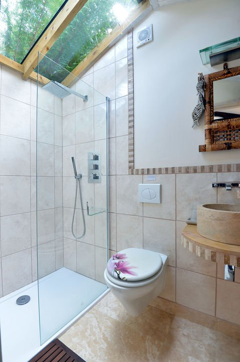 The ensuite wet room