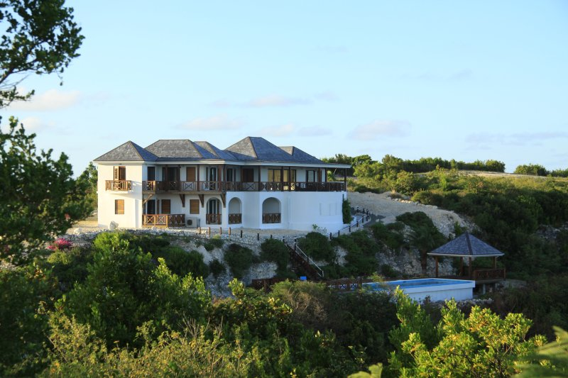 Perfect Sunshine Villa, Antigua (Owners' Listing), holiday rental in Seatons