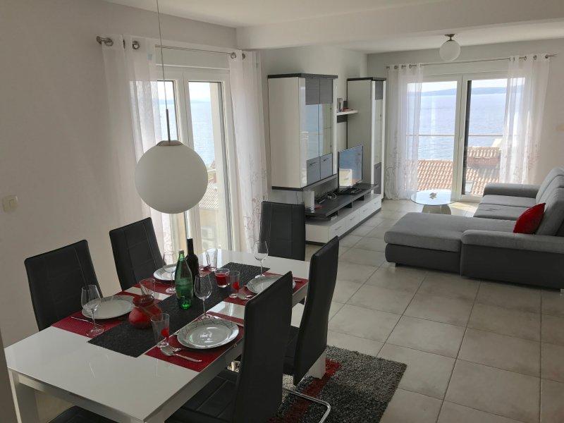 Wohnung Sarah - Ferienhaus Ivanka, vacation rental in Okrug Gornji
