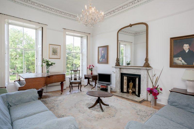Elegant eerste verdieping woonkamer