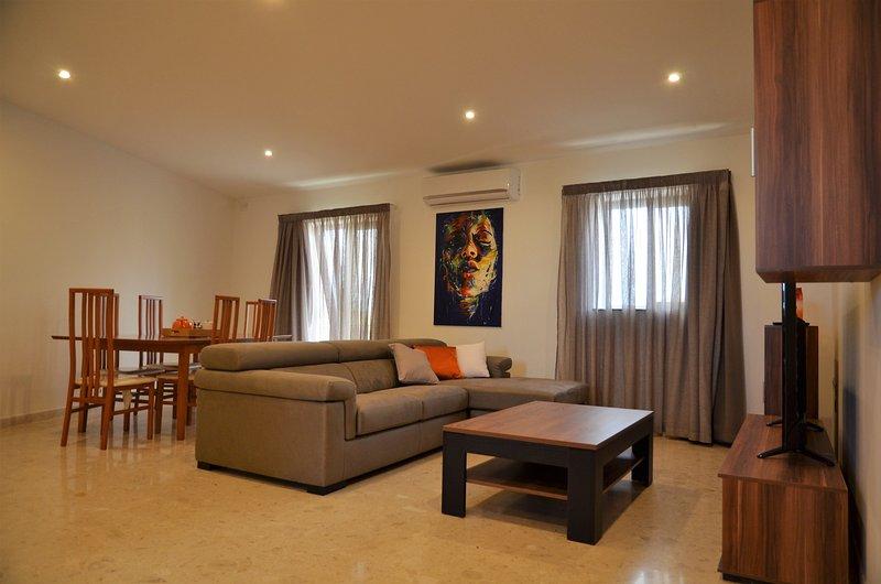 Modern 3 bedroom apartment in st Paul's Bay, aluguéis de temporada em Baía de São Paulo