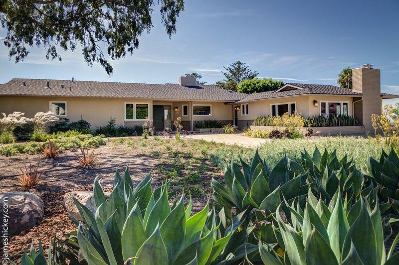 Private Estate Above Foothill Road, location de vacances à Goleta