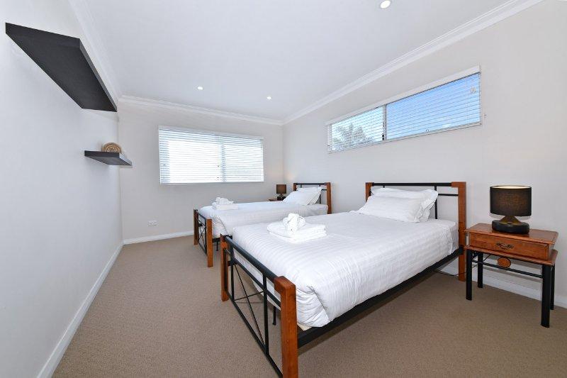 4: e sovrum med två king enkelsängar