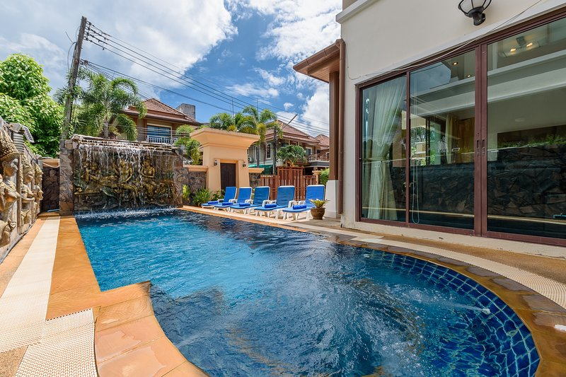 Patong Amazing Private pool great location, holiday rental in Patong
