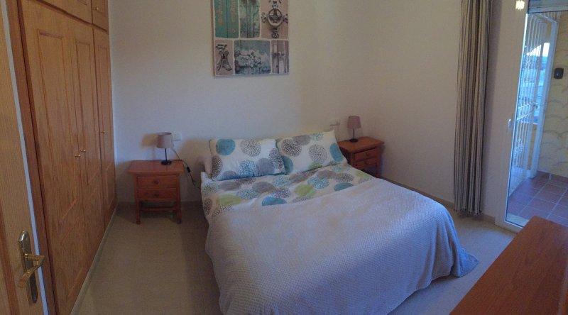 3 Bedroom Apartment on Valle Del Este Golf Course, location de vacances à Bedar