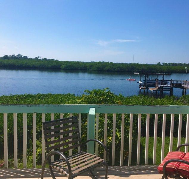 propiedad frente al mar increíble en el río fluye directamente a Braden Golfo. Ver los delfines, manatíes desde la cubierta