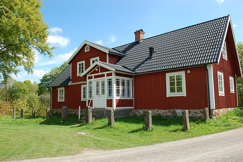 Wonderful old farm house in Stora Bökön, Lönsboda, vacation rental in Tvetaryd
