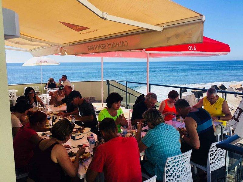 L'un des nombreux restaurants de poisson de Paul do Mar avec vue spectaculaire sur l'océan